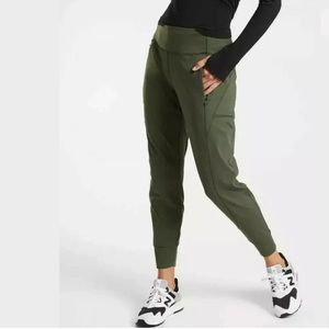 ATHLETA Distance Jogger In Plush SuperSonic NWT